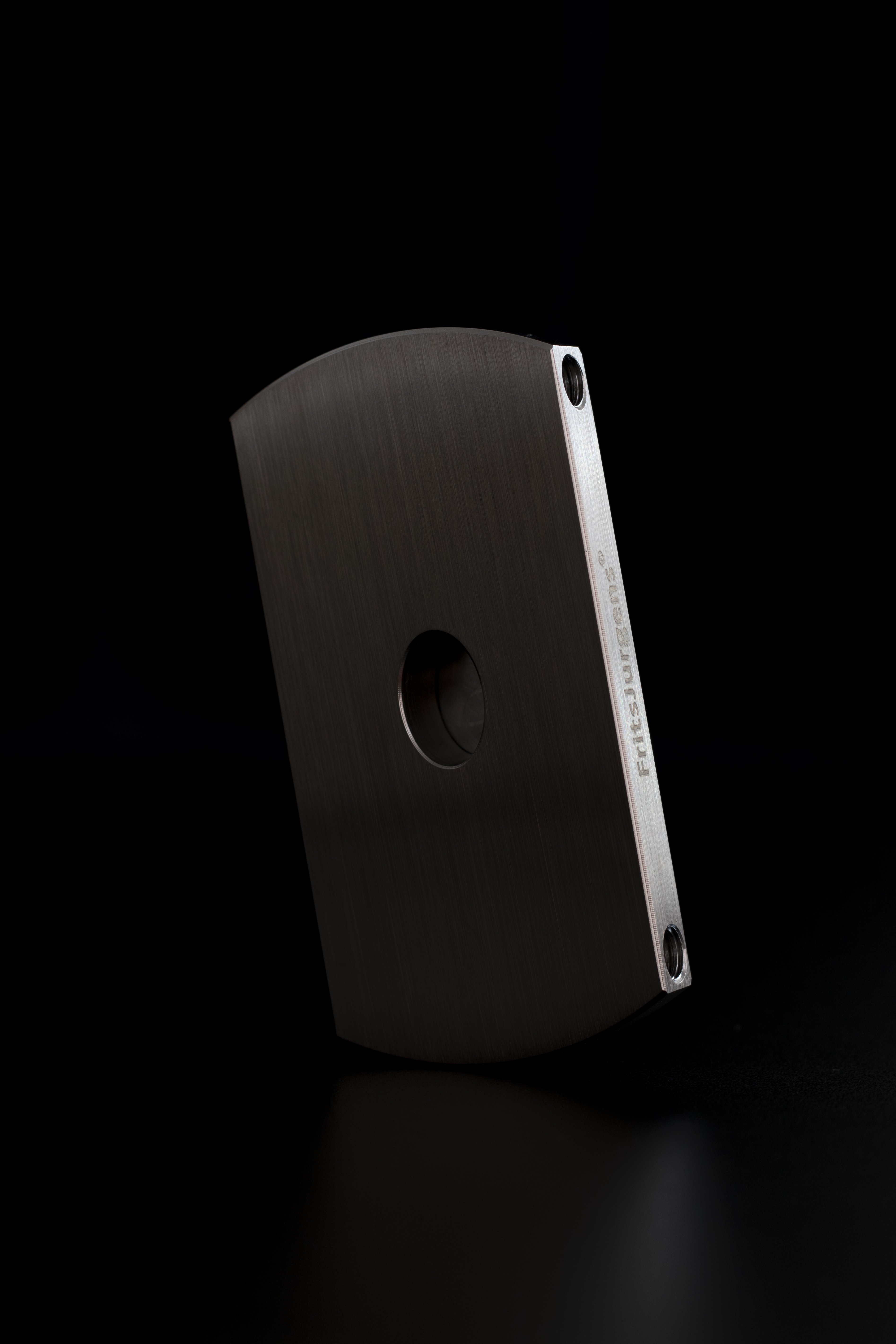 A FritsJurgens floor plate. These are available in various shapes and colors.