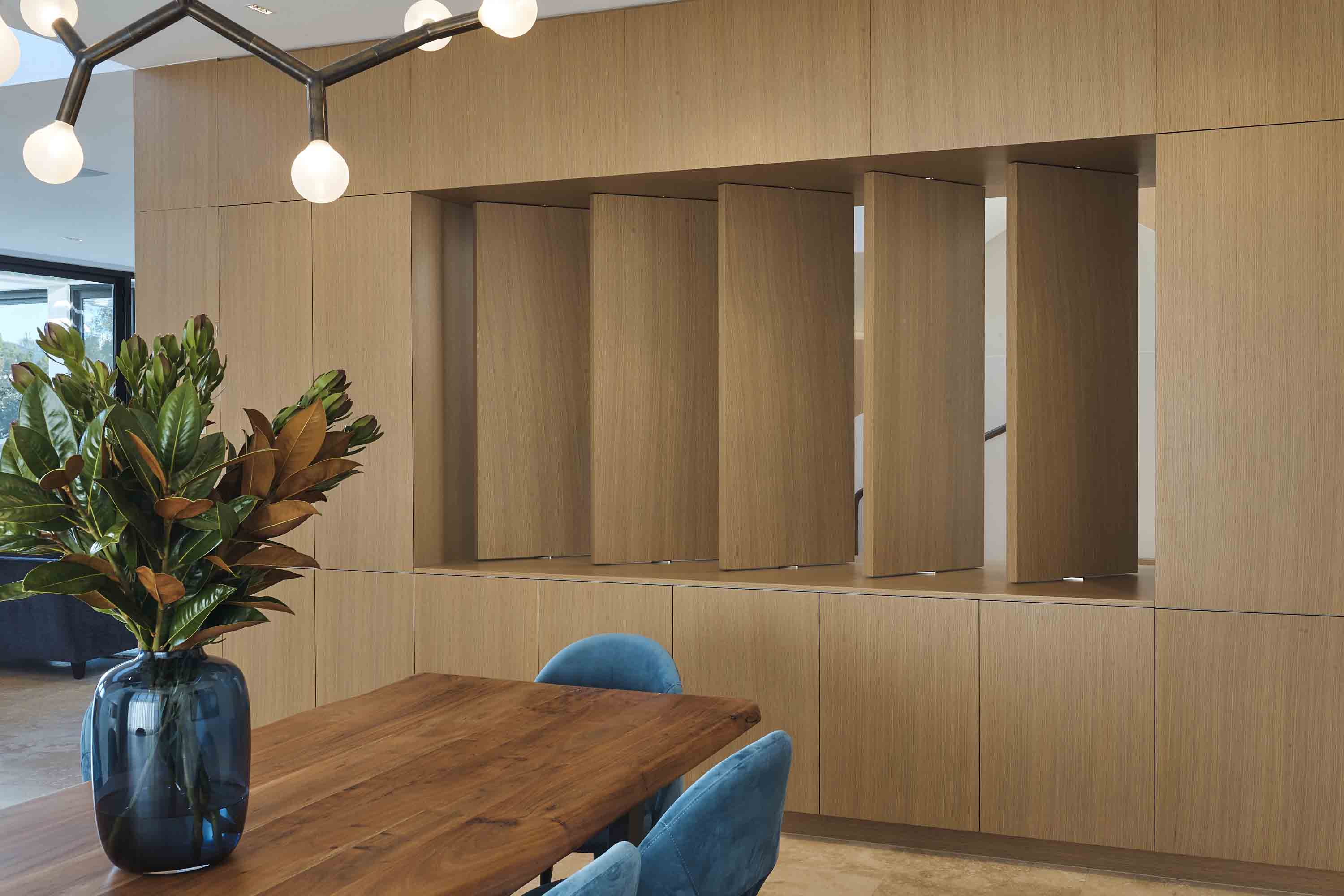 Pivoting louver doors by Space Joinery