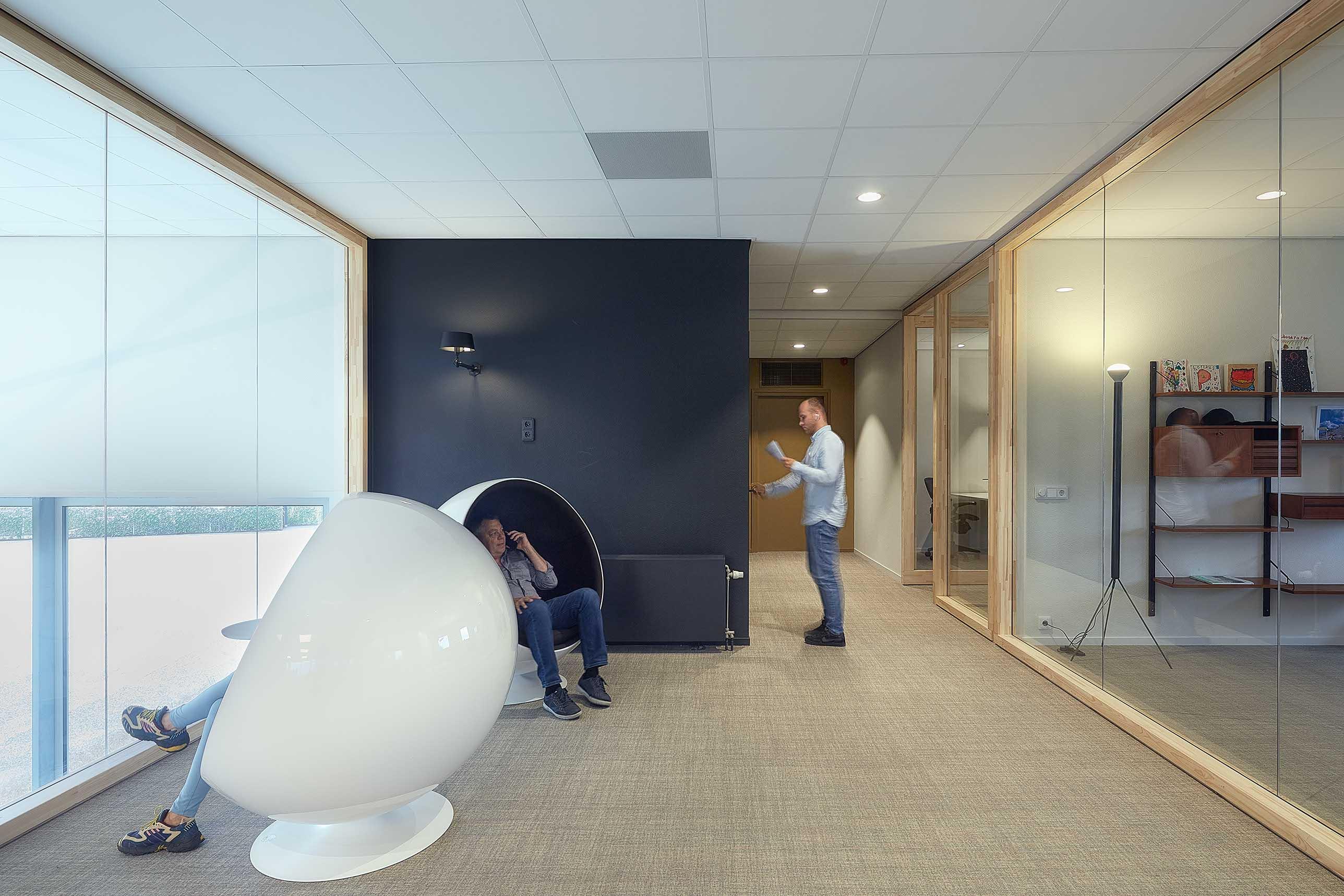 369.-Office-FritsJurgens---doors-by-Harryvan-Interieurbouw---photography-by-Gerard-van-der-Beek22.jpeg