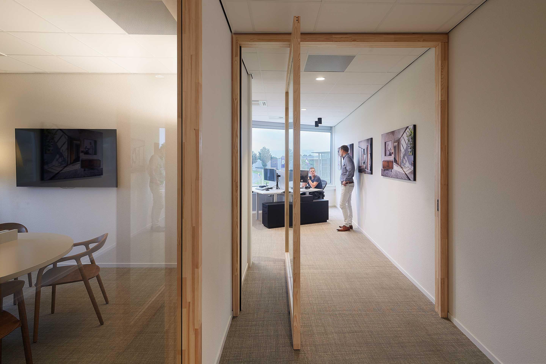 369.-Office-FritsJurgens,-doors-by-Harryvan-Interieurbouw,-photography-by-Gerard-van-der-Beek13.jpeg