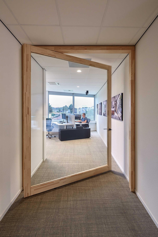 369.-Office-FritsJurgens,-doors-by-Harryvan-Interieurbouw,-photography-by-Gerard-van-der-Beek24.jpeg