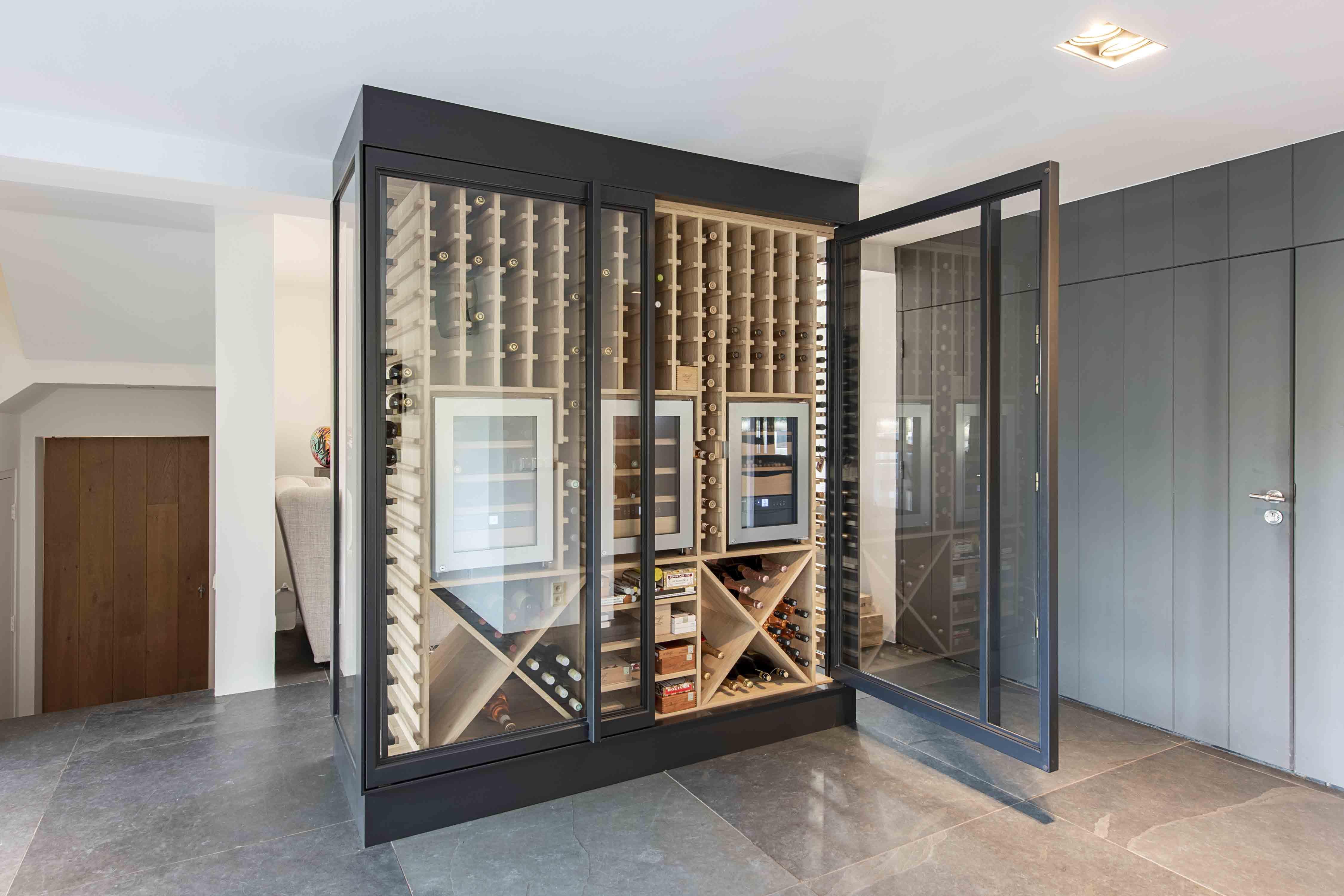 335.-Wine-cabinet-by-Pjokke-Dutch-Design04.jpg