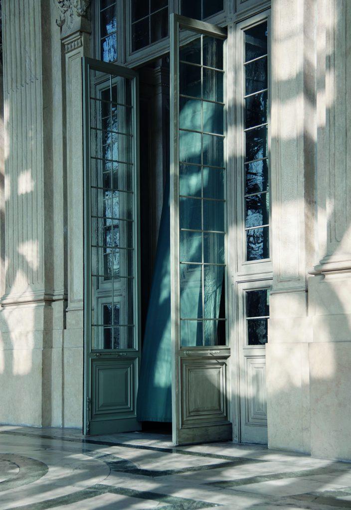 exterior-pivot-door-in-palazzo-madame-as-antique-doors-firtsjurgens.jpg