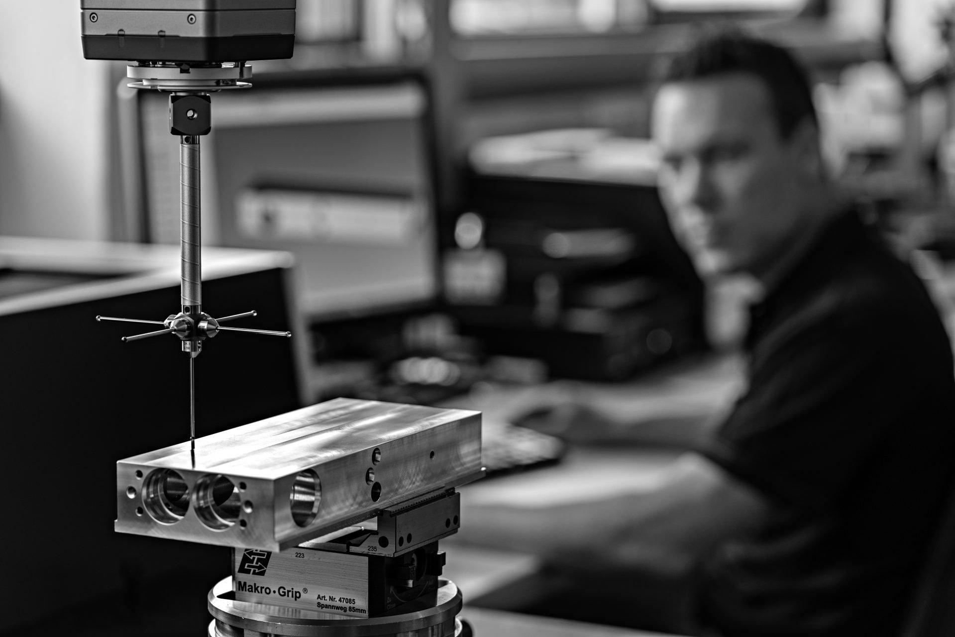 pivot-tur-scharnier-produktion-fritsjurgens.jpg