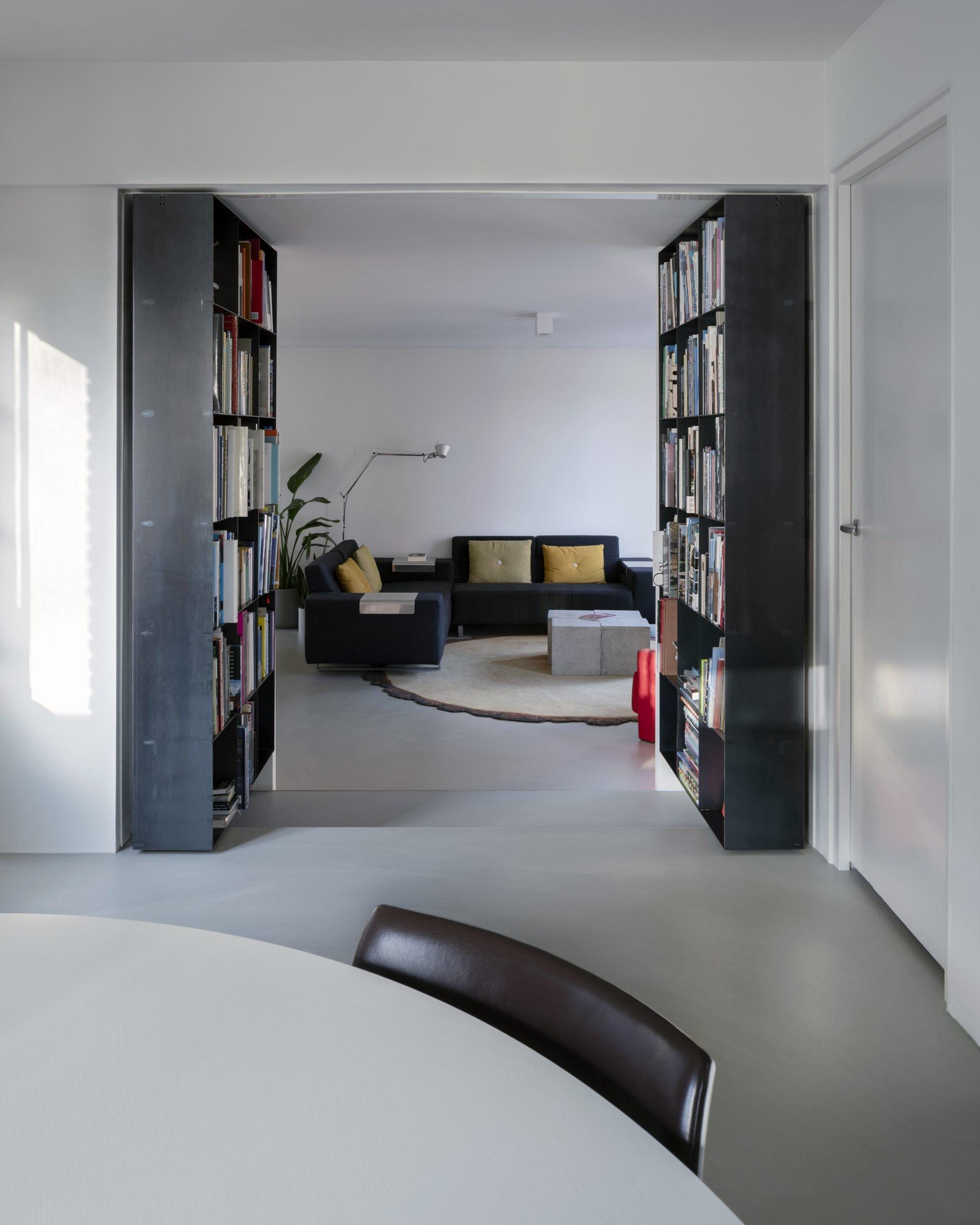 secret-bookcase-with-fritsjurgens-pivot-hinge-system-opened-e1547731638918.jpg