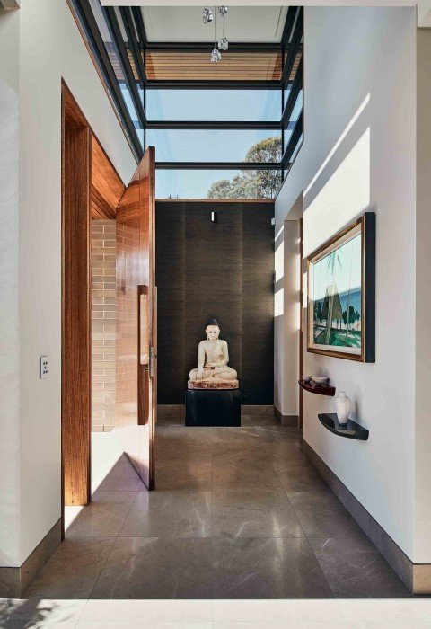 Castlecrag House with FritsJurgens pivot hinge System M by Porebski Architects and Cumberland Building, photographed by Peter Bennetts